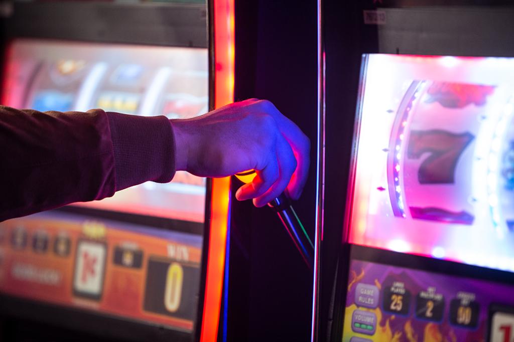 Slot Handle